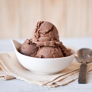 Fluweelzacht chocoladeijs