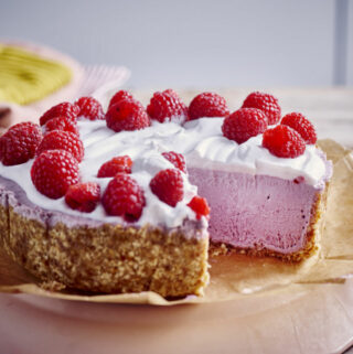 Vegan yoghurt-frambozen cheesecake zonder oven door Sofie Dumont